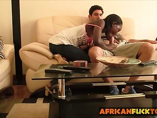 African Fuck Tour afrikanische Küken genießt Reiten weiße Rute