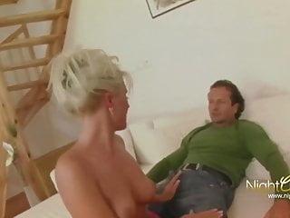 Nightclub Videos Blonde geile Hausfrau fickt fremd
